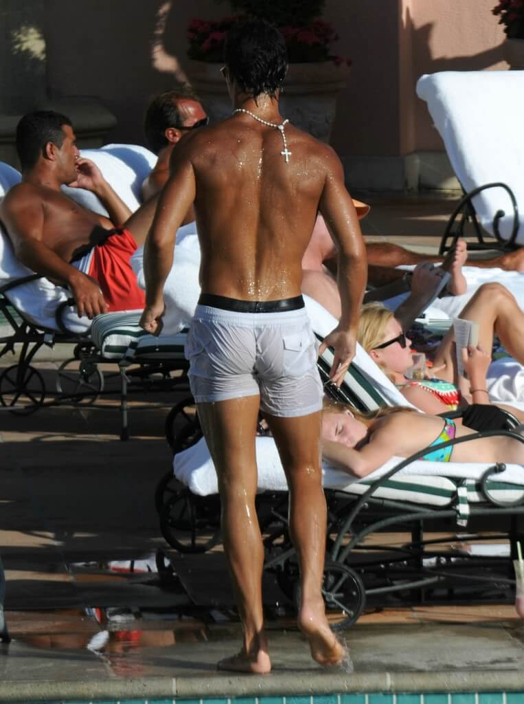 Cristiano Ronaldo hot ass naked